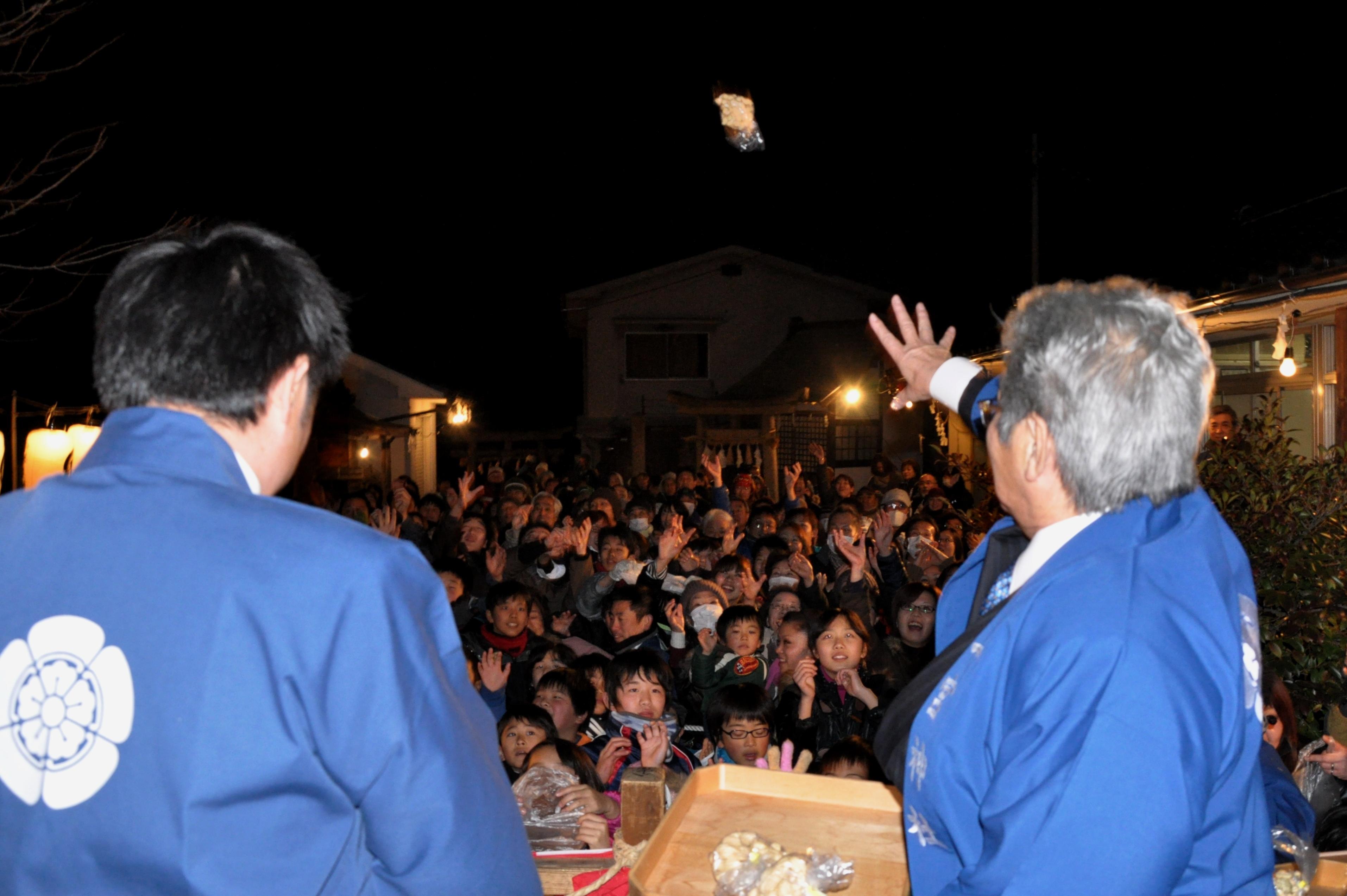夜に行われる一宮神社の節分祭では、あの鬼神ベッチャーも登場