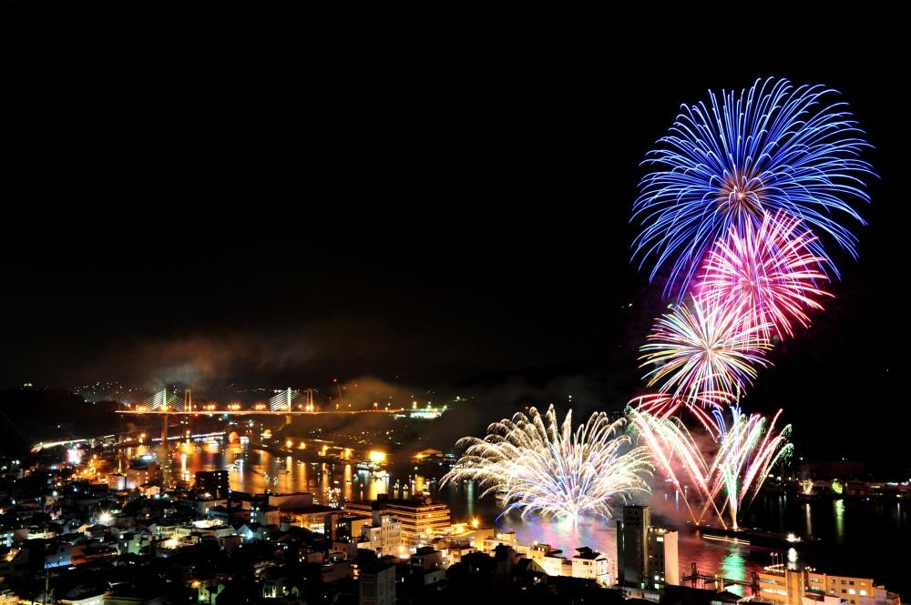 [一日一組限定]尾道の夜空を彩る13,000発の花火。一棟貸しの町家を貸し切り、お友達やご家族と花火鑑賞を楽しみませんか。 せとうち 湊のやど